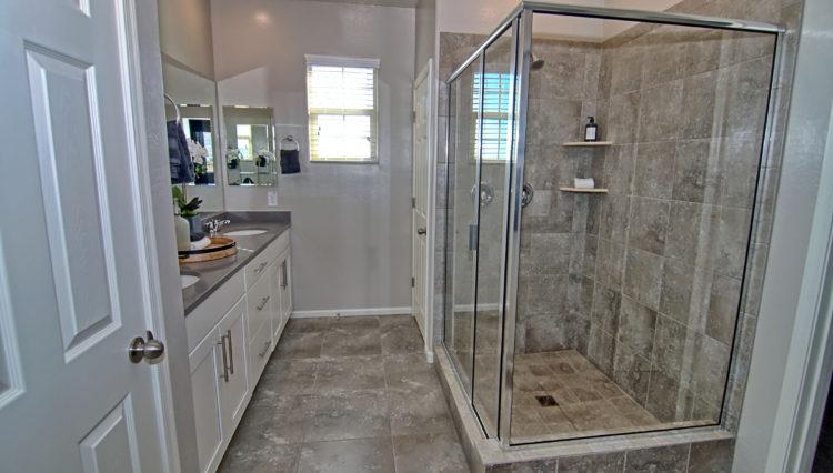 2247SF_Master Bath