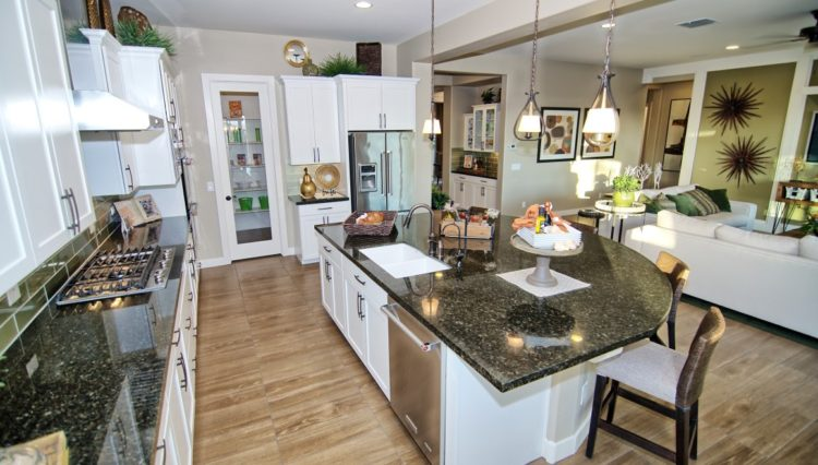 3132SF_Island Kitchen 2 (Medium)
