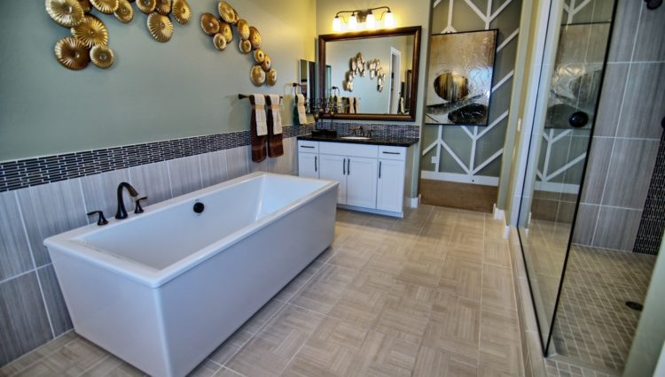 3132SF_Master Bath (Medium)